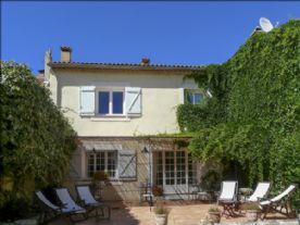 property in Lirac