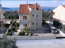 property in Akbuk