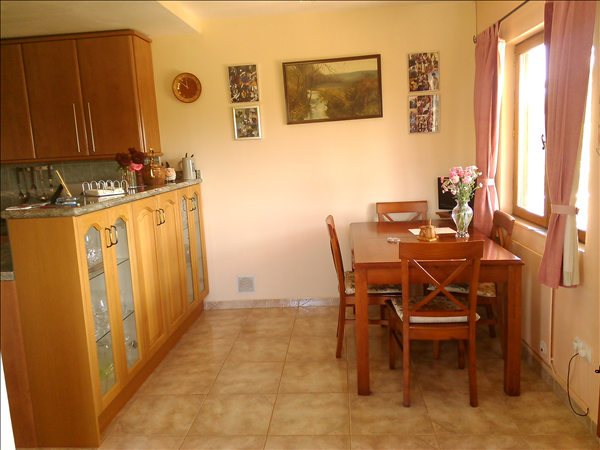 dining area  2.8mtr x 2.65mtr