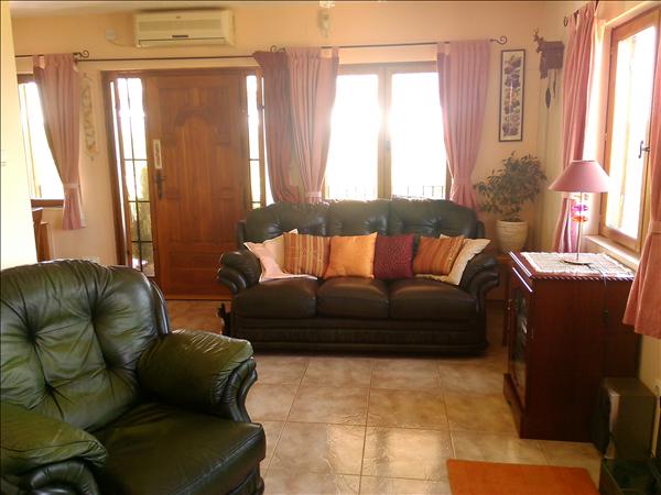 front room  2.75mtr x 5.69mtr