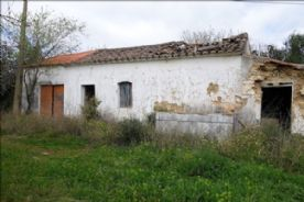 property in Santo Estêvão