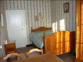 Charming bedroom 4