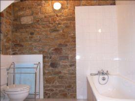 Ground floor bathroom with shower (1 of 2)