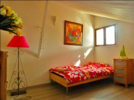 Twin/double bedroom mezzanine floor