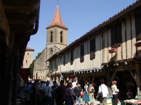 The old village of Tillac on the day of the vide grenier