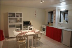 Gite: Kitchen/sitting room