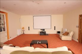Cinema Room HD TV& BlueRay Projector