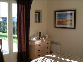 3 large double bedrooms with wardrobes and draw chests