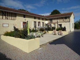 property in Estampes