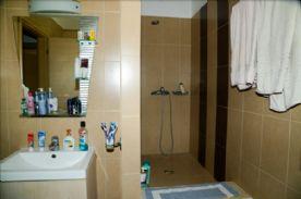 Upper level wet room