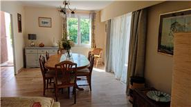 Dining room dual aspect