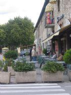 Leonardo's bar outside the town gate
