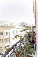 Balcony with view to Castelo São Jorge