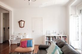Large living room (3rd angle) with views onto Avenida da Liberdade