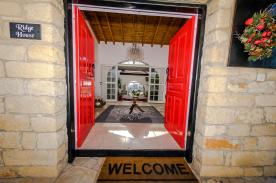 Welcome into Ridge House