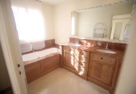 En-Suite Bathroom Master Bedroom