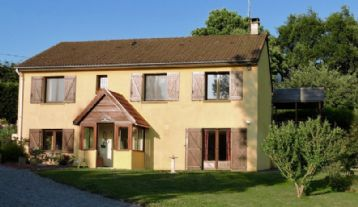 property in St-Sulpice-les-Feuilles