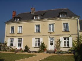property in Restigné