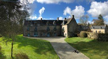 property in Saint-Nicolas-du-Pélem