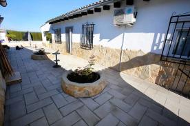 Side of villa looking towards pool & rear door