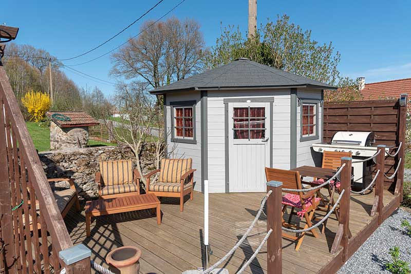 Decking with summerhouse