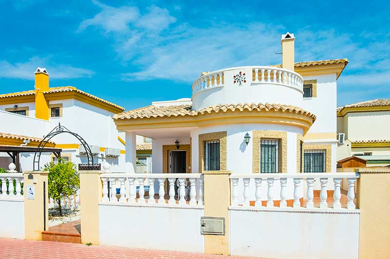 Detached villa with garden and pool 2