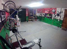 Large Garage/bike store