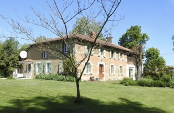 property in Castelnau-Magnoac