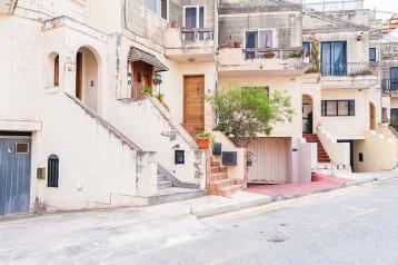 property in Ta' L-Ibrag