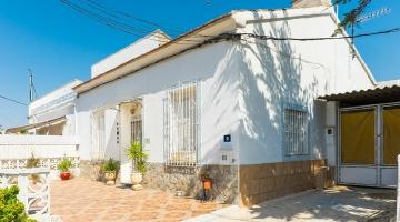 property in La Aparecida