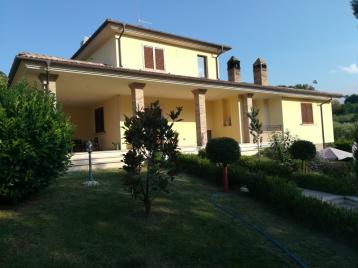 property in Torricella Sicura