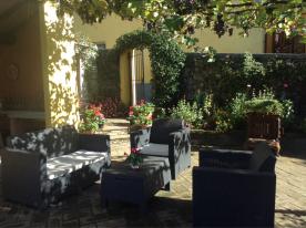 www.casa-fontana.com private garden