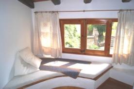 Window seat , bedroom 1