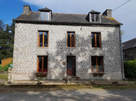 property in Poullaouen