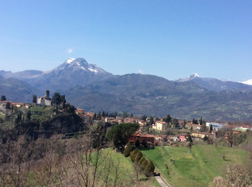 Barga and the Apune mountains