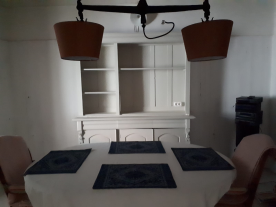 4x4.30 Bedroom/dining room.