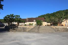Mauzac village