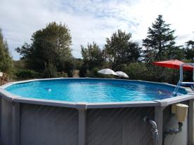 The pool in the gite garden