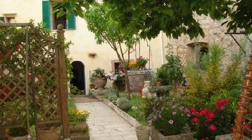 property in Serre Di Rapolano