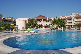 pool and bar/restaurant complex
