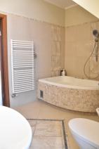 Master Bathroom - Whirlpool Tub