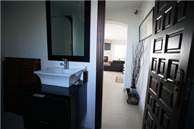 Ensuite Bathroom 4