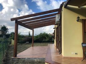 Rear sun deck / eating area