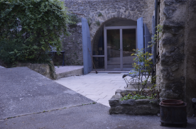 outside view to kitchen