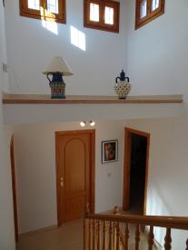 Photo 27 - Staircase (1)