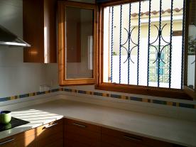 Photo 33 - Kitchen (3)
