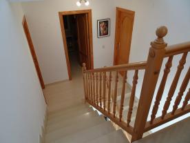 Photo 28 - Staircase (2)