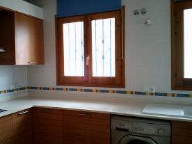 Photo 32 - Kitchen (2)