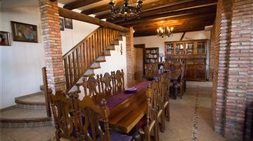 property in Válor