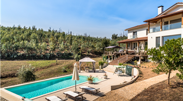 property in Oveiro